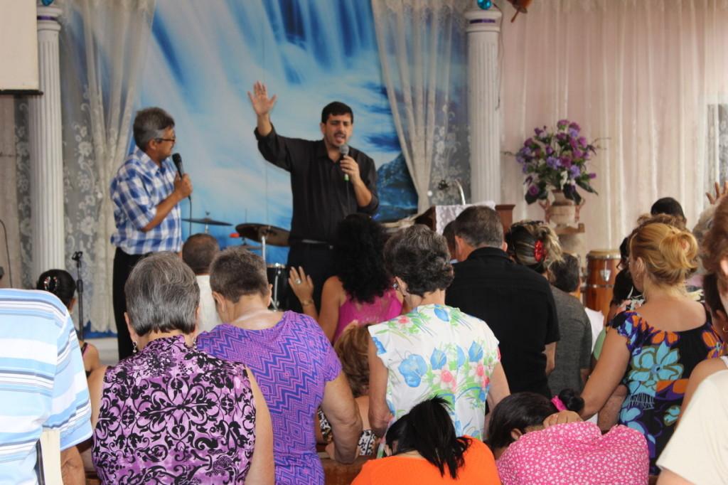 Ministrando em Cuba 2013